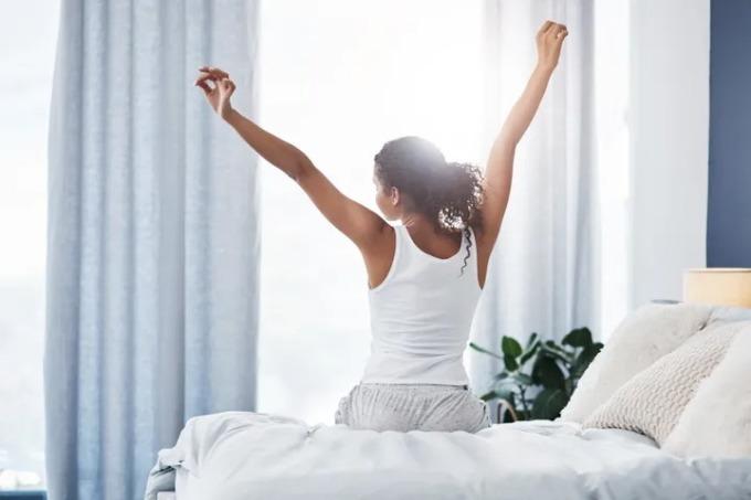 Một người thức dậy lúc 10h hoàn toàn có thể làm việc hiệu quả như một người thức dậy lúc 5h sáng. Điều quan trọng là họ hành động như thế nào khi họ tỉnh táo. Ảnh: PEOPLEIMAGES.