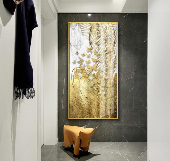 Tranh treo tường GD31 - GD32 - GD34 của nội thất IGEA có kích thước rộng 60 cm, cao 120 cm, phù hợp treo ở những bức tường cao và hẹp, ví dụ chiếu nghỉ cầu thang, các cột vách ngăn trong nhà...  Tranh có họa tiết hình đàn én vàng hay cây lá vàng. Sản phẩm đang dược ưu đãi 14% còn 420.000 đồng.