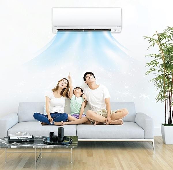 Daikin có công nghệ Hybrid Cooling giúp cân bằng độ ẩm, duy trì ở mức lý tưởng với sức khỏe là 55-65%.