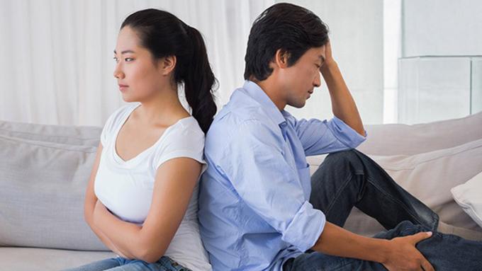 Với những người không thể vượt qua được tâm lý ngờ vực của việc sống chung, thì hôn nhân chắc chắn sẽ như một thực tế đáng sợ. Ảnh: pinterest.