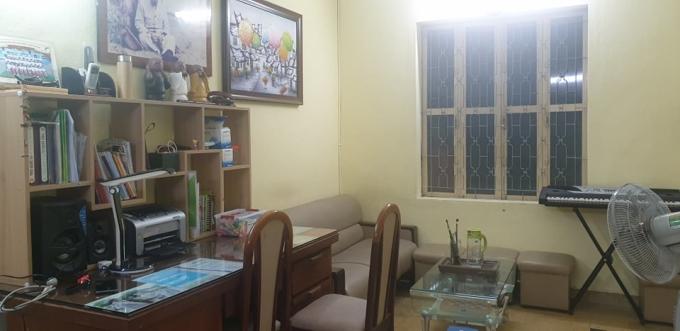 Một góc phòng học của các con chị Yến trong căn biệt thự đi thuê. Ảnh: Nhân vật cung cấp.