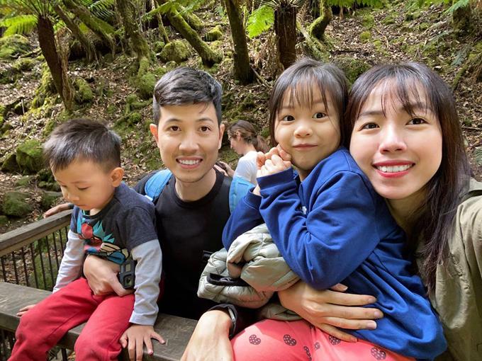 Vợ chồng anh Trà ưu tiên trải nghiệm cuộc sống hơn là mua nhà. Ảnh cả gia đình trong chuyến du lịch Australia trong 20 ngày, đầu năm 2020. Ảnh: Nhân vật cung cấp.