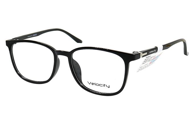 Gọng kính Velocity VL48453 001 làm từ plastic và hợp kim Titanium, phù hợp để lắp kính cận thị, viễn thị, loạn thị. Mẫu sản phẩm có nhiều màu: trắng, xanh, hồng, cam nhạt.