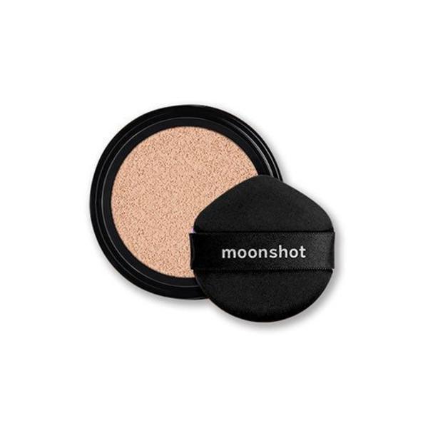Lõi phấn nước Moonshot Microfit Cushion 101 SPF50+,PA+++ REFILL 12g - Vàng - Mã màu 101với lớp phấn nước siêu nhẹ, có độ che phủ cao. Sản phẩm chứa thành phần chống oxy hóa và không chứa các chất độc hại. Phù hợp với mọi loại da, đặc biệt là những làn da có nhiều khuyết điểm.Với công nghệ Microfit, hạt phấn trong sản phẩm bám sâu vào da đồng thời che phủ lỗ chân lông, cho làn da bạn luôn sáng mịn tự nhiên. Sản phẩm mang lại lớp nền lâu trôi, đặc biệt là đối với làn da dầu.Lớp Finish Satin có trong Lõi phấn nước Moonshot Microfit Cushion 101 SPF50+, PA+++ Refill 12g giúp làn da của bạn luôn giữ độ đều màu cho làn da, không quá lì mà cũng không bóng bẩy. Làn da bạn sẽ trở nên bóng khỏe, mịn mướt, long lanh như các sao Hàn.Chỉ số chống nắng SPF 50+ PA+++ đảm bảo khả năng chống nắng và độ che phủ khá tốt, bảo vệ tuyệt đối làn da dưới các tác động của môi trường.