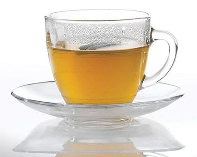 Bộ 6 tách và 6 dĩa Gigogne màu trắng trong suốt đang được giảm 10% còn 718.200 đồng. Tách có dung tích 220 cm, đường kính miệng tách 8,2 cm, chiều cao 7,5 cm, phù hợp uống sữa, trà, cà phê, chè...