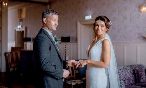 Graeme và Helen trong ngày cưới. Ảnh: SWNS.