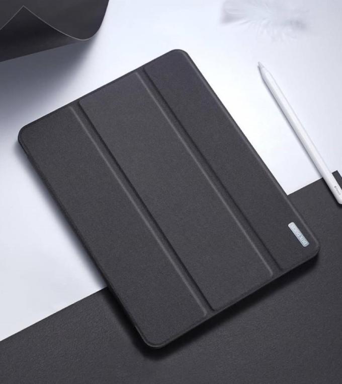 ATZShop chuyên cung cấp các thiết bị bảo vệ điện thoại như ốp lưng, bao da với đa dạng mẫu mã, chủng loại. Một trong những best-seller của gian hàng là bao da ốp dẻo iPad nhiều màu sắc với giá chỉ khoảng 180.000 đồng. Bao da có nếp gập chống đỡ ba nấc giúp dễ thao tác, xem phim và giải trí. Chất liệu mềm, dẻo giúp bảo vệ các viền và thành iPad, tránh va đập.