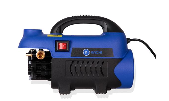 Công tắt bật/mở có đèn chỉ thị máy được tích hợp ngay thân máy dễ điều khiển và kiểm soát hoạt động của máy. Máy xịt rửa xe Kachi MK-164 có chế độ bảo vệ quá nhiệt và các lỗ thông khí, tự động tắt khi máy làm việc trong một thời gian dài. Giúp tăng độ bền, tuổi thọ cho máy, bảo vệ bộ động cơ bên trong tối ưu.