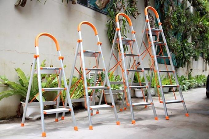 Thang nhôm ghế 6 bậc Kachi MK151 có giá giảm 25% còn 1,499 triệu đồng (giá gốc 1,999 triệu đồng). Khung thang bằng nhôm chắc, nhẹ, dễ di chuyển, chịu tải trọng lớn lên đến 150 kg. Chất liệu nhôm không bị gỉ sét sau thời gian dài sử dụng.