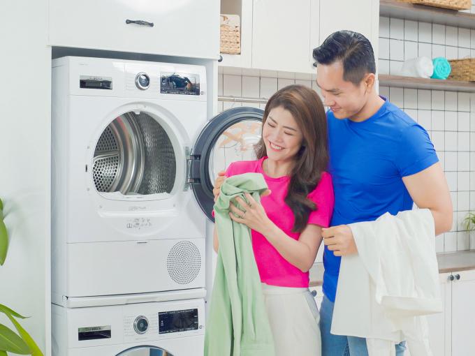 Máy sấy bơm nhiệt với hiệu suất cao cho quần áo sau khi giặt sạch hơn, tiết kiệm điện.