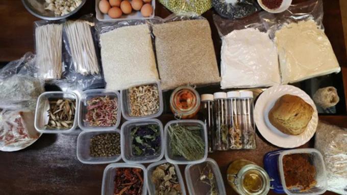 Một phần thực phẩm của nhà Kaneko và Abe tự sản xuất được. Ảnh: Nikkei Asia