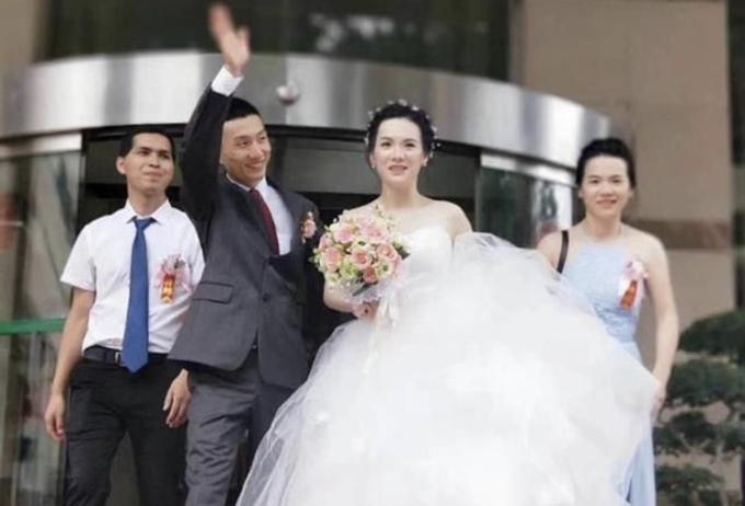 Đám cưới con trai của giáo sư Trung Quốc Đới Kiện Nghiệp. Ảnh: 163.com