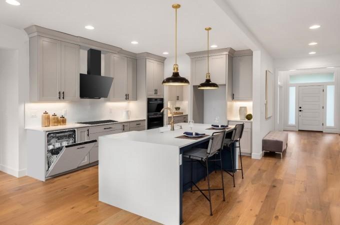 Phòng bếp được thiết kế theo phong cách cổ điển tinh tế, kết hợp với các thiết bị bếp Fagor cho gia chủ thích sự hoàn hảo.