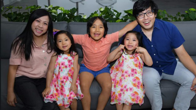 Gia đình 5 người của Ryan Kaji. Ảnh: cyzone