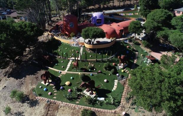 Toàn cảnh ngôi nhà từ trên cao. Ảnh: Mercurynews.