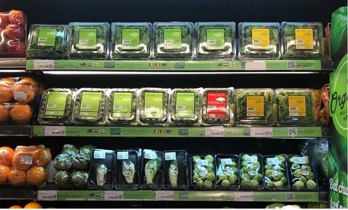 Gian hàng rau xanh Ant Farm tại hệ thống siêu thị.