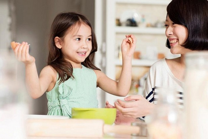 Sự giáo dục ảnh hưởng sâu sắc nhất tới một đứa trẻ là giáo dục gia đình. Ảnh: chinanews.