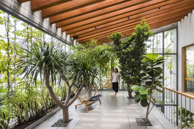 Góc thư giãn nên được tiếp xúc với cây xanh và ánh sáng tự nhiên. Ảnh: Hiroyuki Oki/ VTN Architects